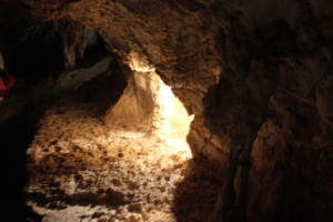 Lucas Caves mit Lichteinfall