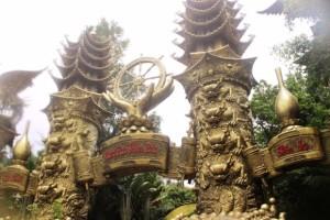 Suoi Tien Eingangsbereich