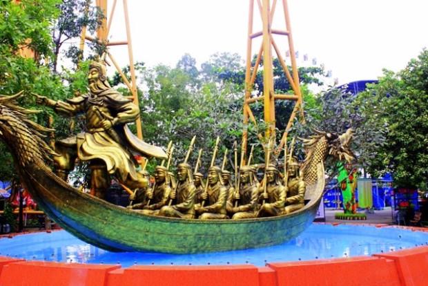 Suoi Tien Freizeitpark - Kriegsschiff