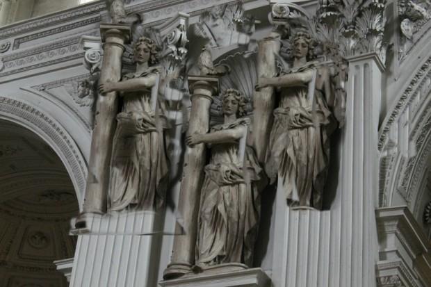 Statue in der St. Michael Kirche