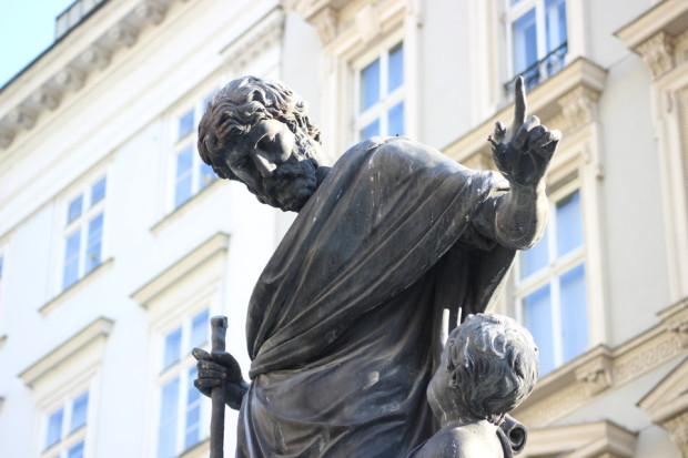 statue_in_wien