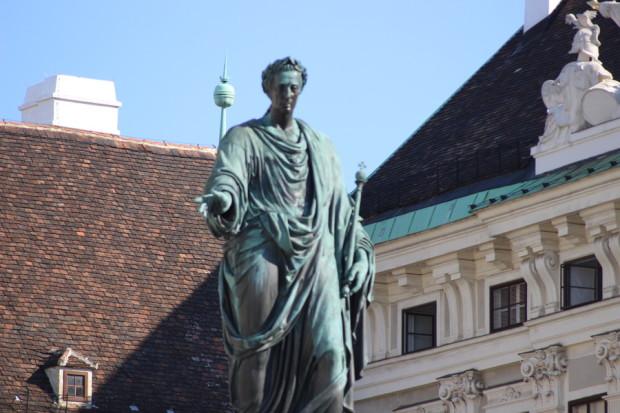statue_von_wien_in_der_stadt