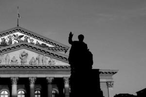 Statue vor der Bayrischen Staatsoper