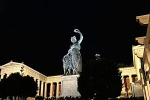Statue Bavaria bei Nacht