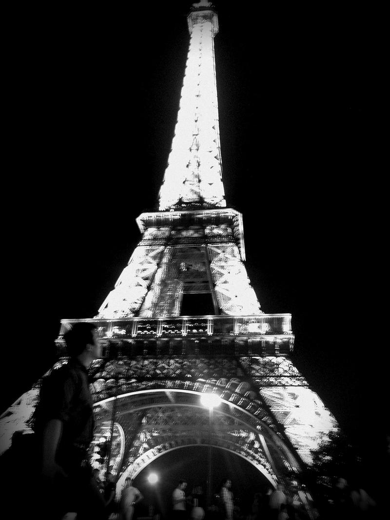 ich vorm Eiffelturm