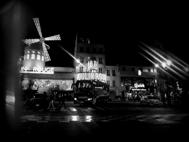nachts am Moulin Rouge