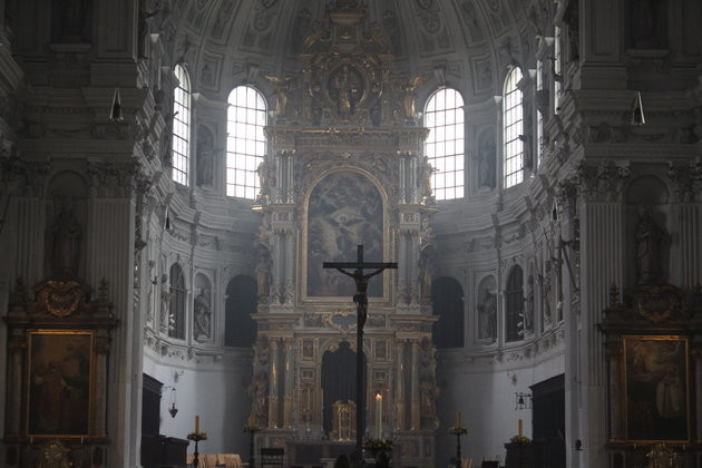 St. Michael Kirchenhalle